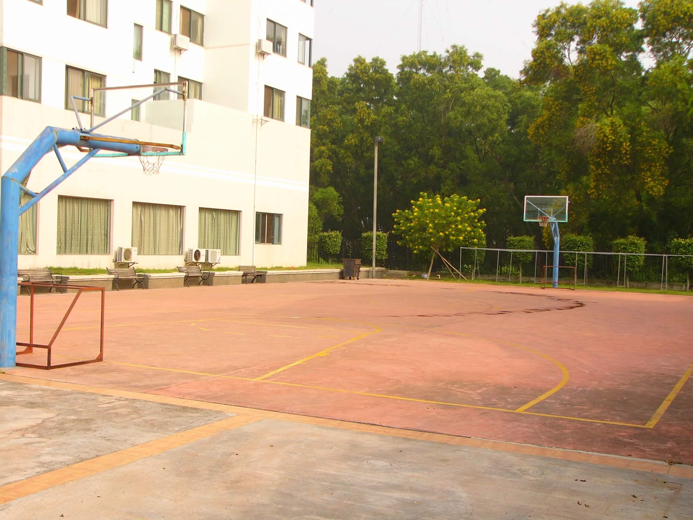 万力达篮球场